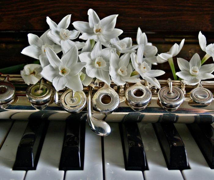 pianino kwiaty
